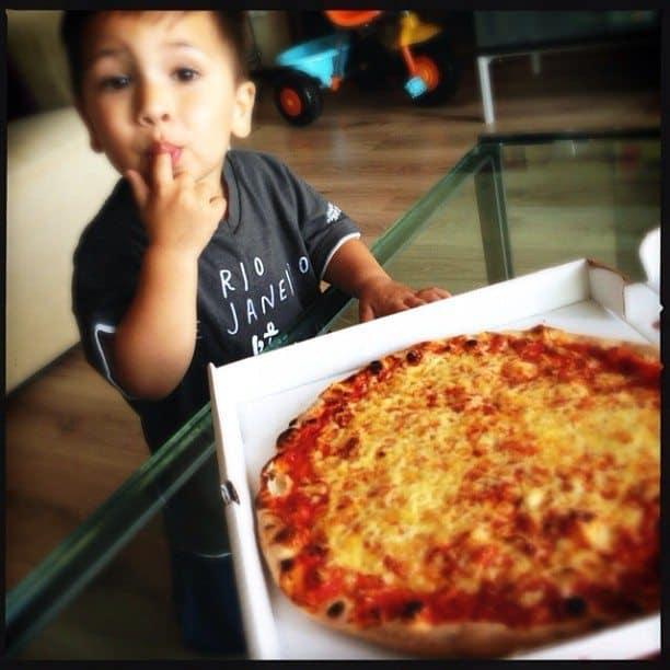 22.Pizza uit een doos