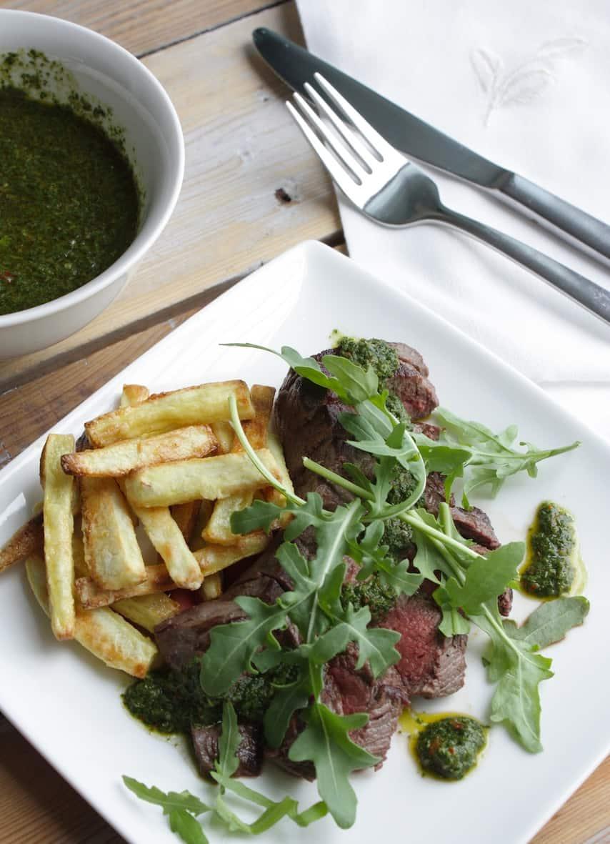 Biefstuk met groene salsa en zoete aardappelfriet_2