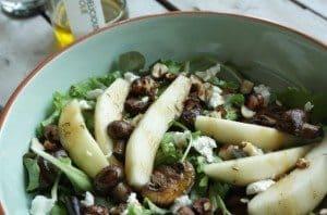 Francesca-Kookt_Foodelicious_snelle-maaltijdsalade-boordevol-hazelnoten_1_uitgelicht-680x450