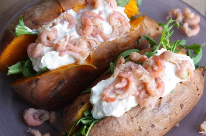 Francesca-Kookt_gepofte-zoete-aardappel-met-hollandse-garnalen_1_uitgelicht-680x450