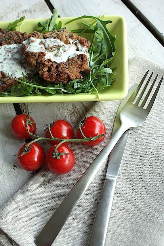 Francesca Kookt_rode kool koekjes met yoghurtsaus_2