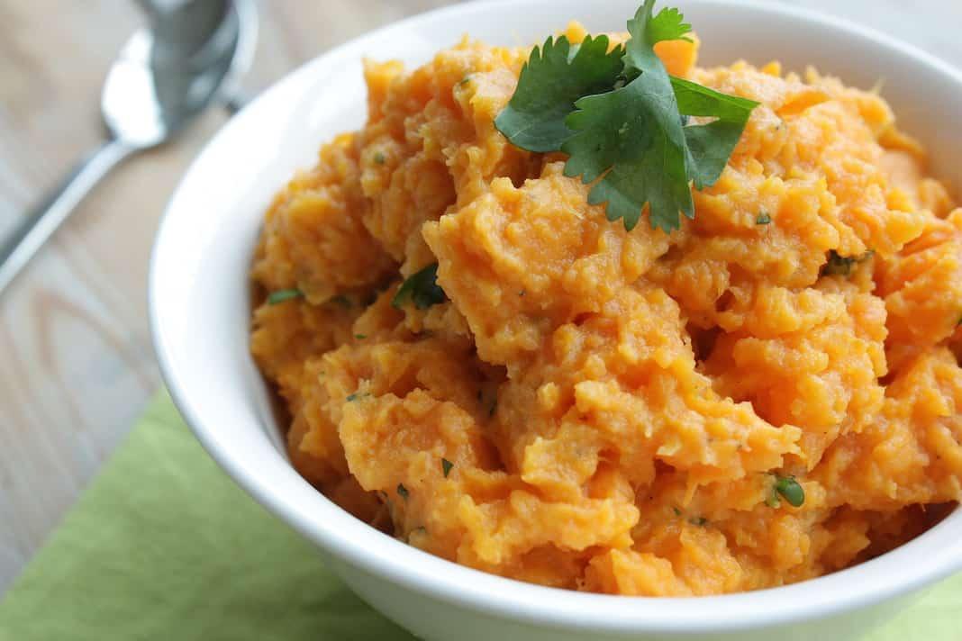 Francesca Kookt_zoete aardappelpuree met koriander_1_uitgelicht