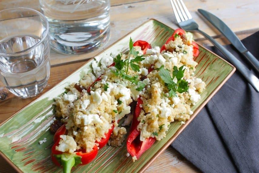 Gevulde rode paprika met bloemkool curry en couscous_3