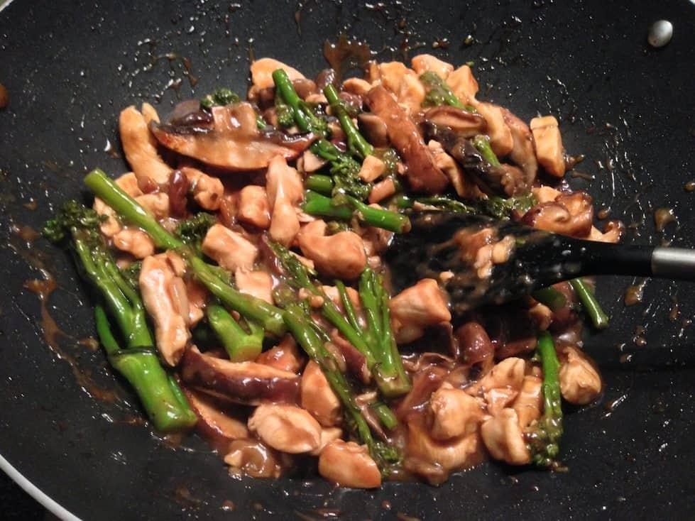 Hoisin kip met broccoli en paddenstoelen_2
