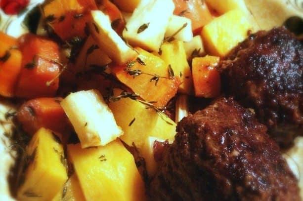 Homemade gehaktballen met herfstgroenten uit de oven_1