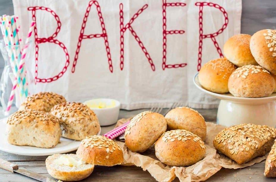 Krentenbollen uit Brood uit egen oven_5