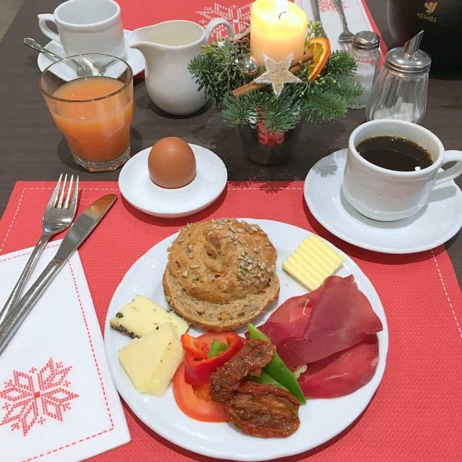 Lamberti-Kerstmarkt-ontbijt-hotel-hermes