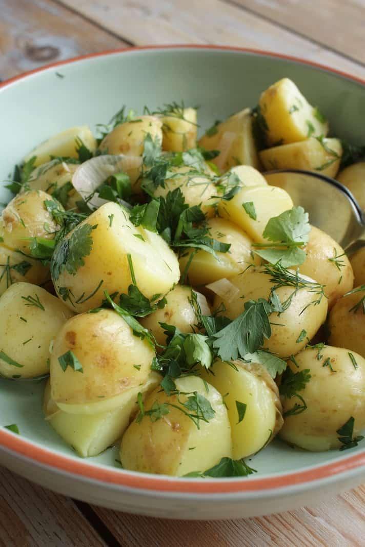 Nieuwe aardappelen met kruidendressing 2