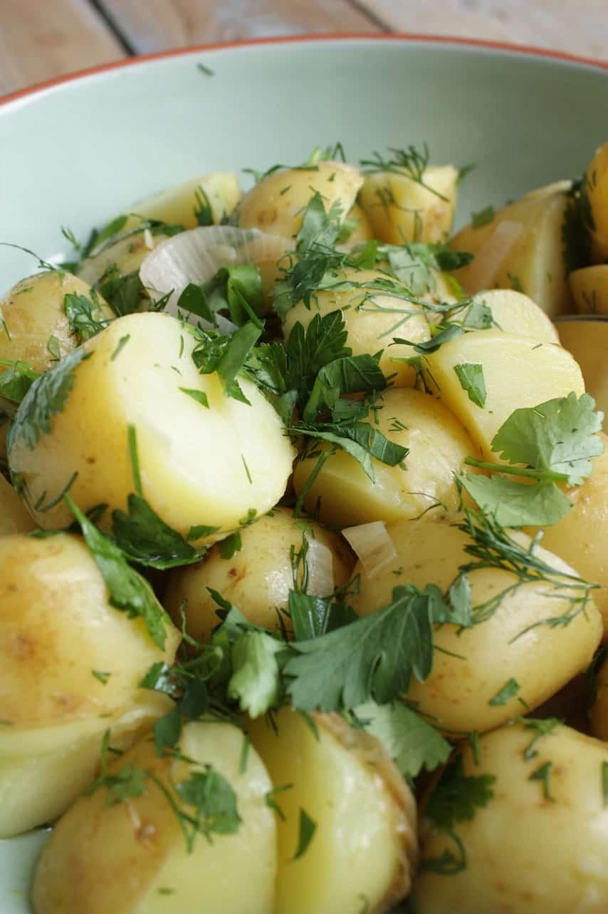 Nieuwe aardappelen met kruidendressing 3