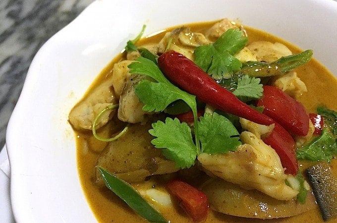 Penang-curry-met-zeebaars_1-680x450