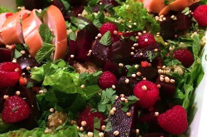 Quinoa-salade-met-rode-biet-en-frambozen_1_uitgelicht-680x450