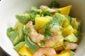 Salade-met-avocado-mango-en-garnalen_1