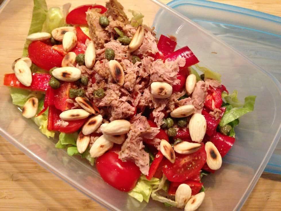 Salade met tonijn, zoete paprika en amandelen_2