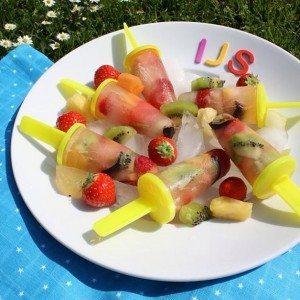 Zelfgemaakte fruit ijsjes