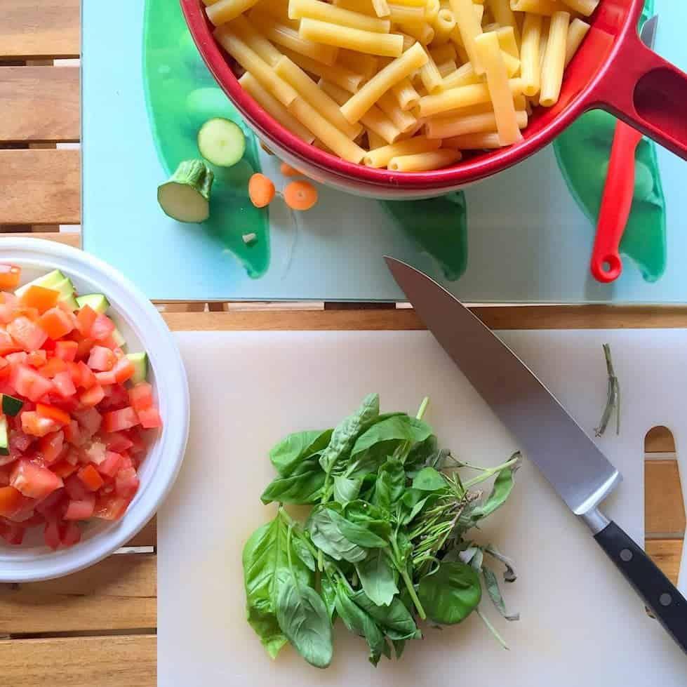 campingkoken-pasta-met-groenten-kruiden-1