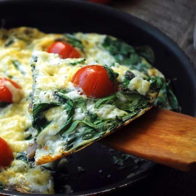 courgette-omelet-met-tomaat-en-spinazie-2