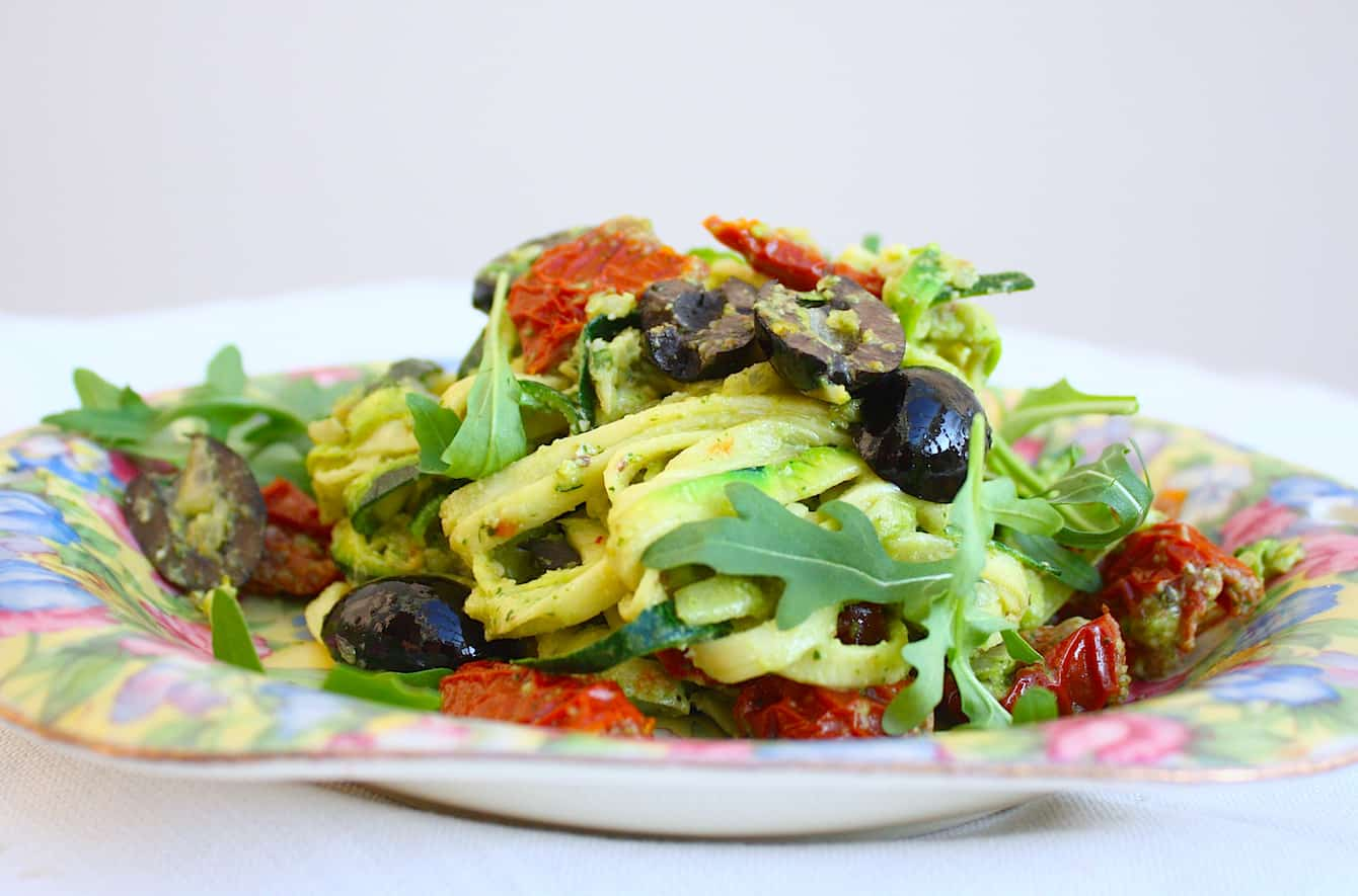 courgette-spaghetti-met-walnootpesto-1