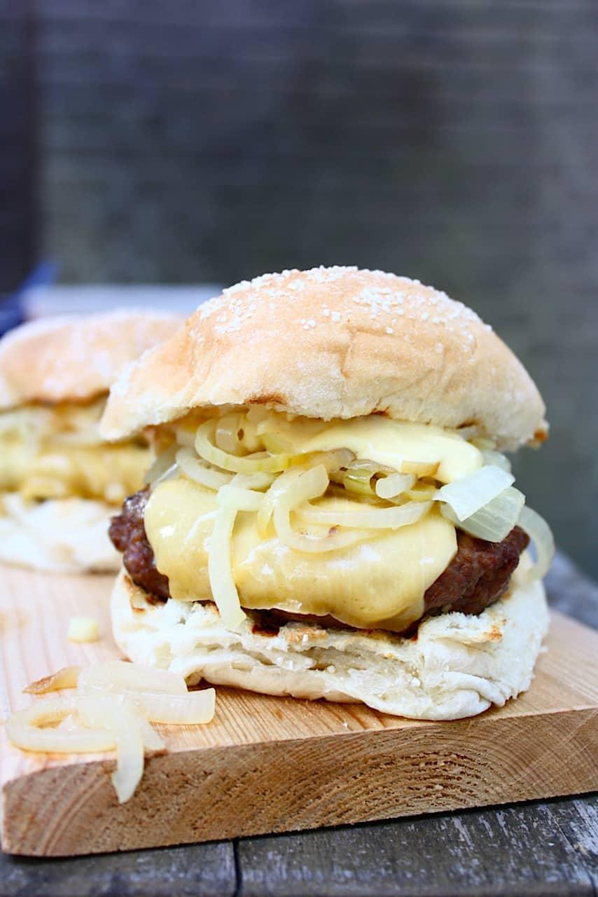 franse-uien-burger-met-old-amsterdam-4