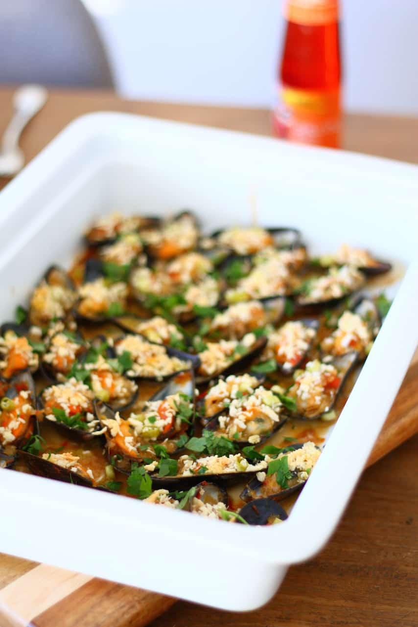 gegratineerde-mosselen-met-oestersaus-en-chili-3