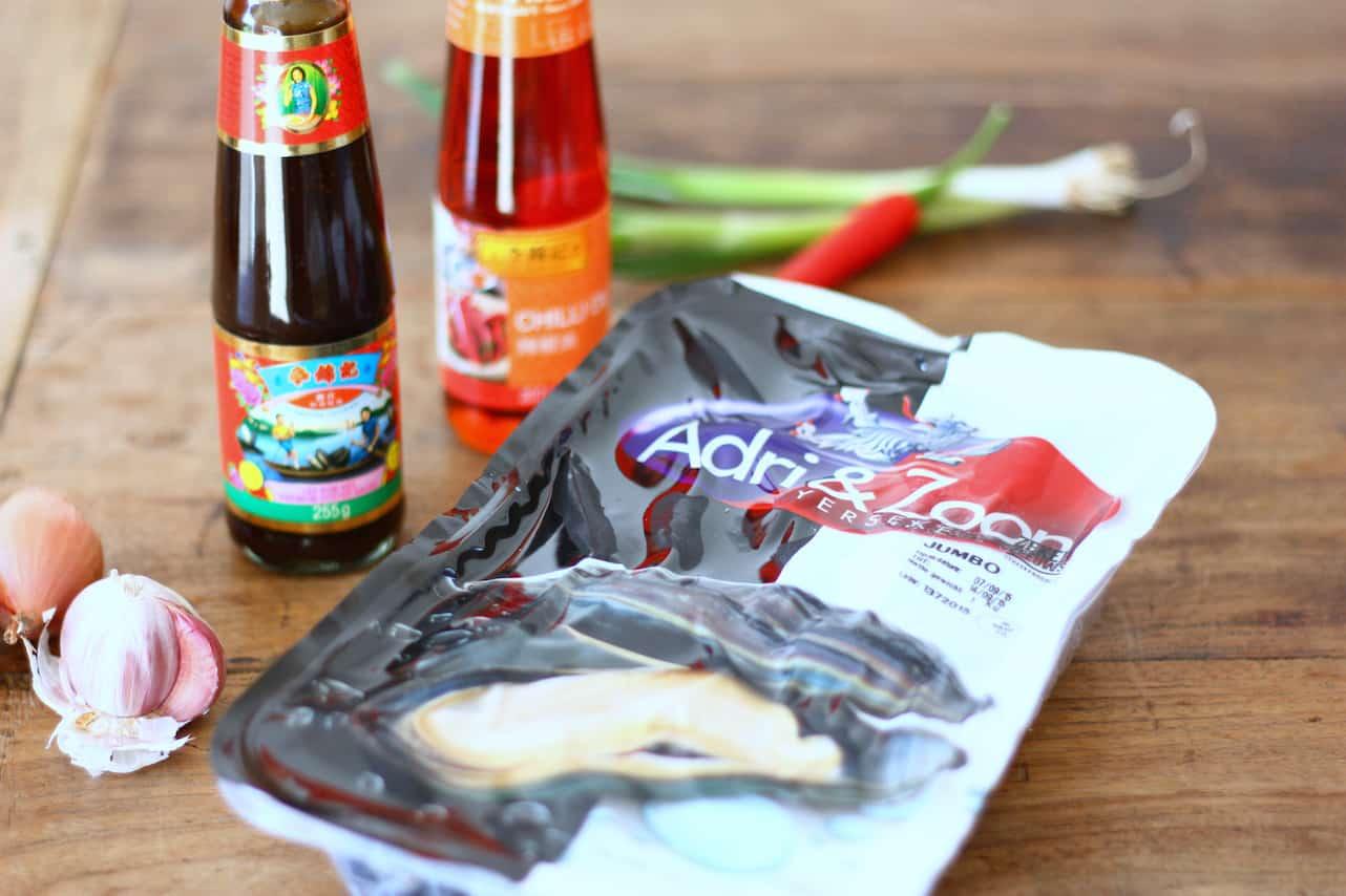 gegratineerde-mosselen-met-oestersaus-en-chili-ingredienten