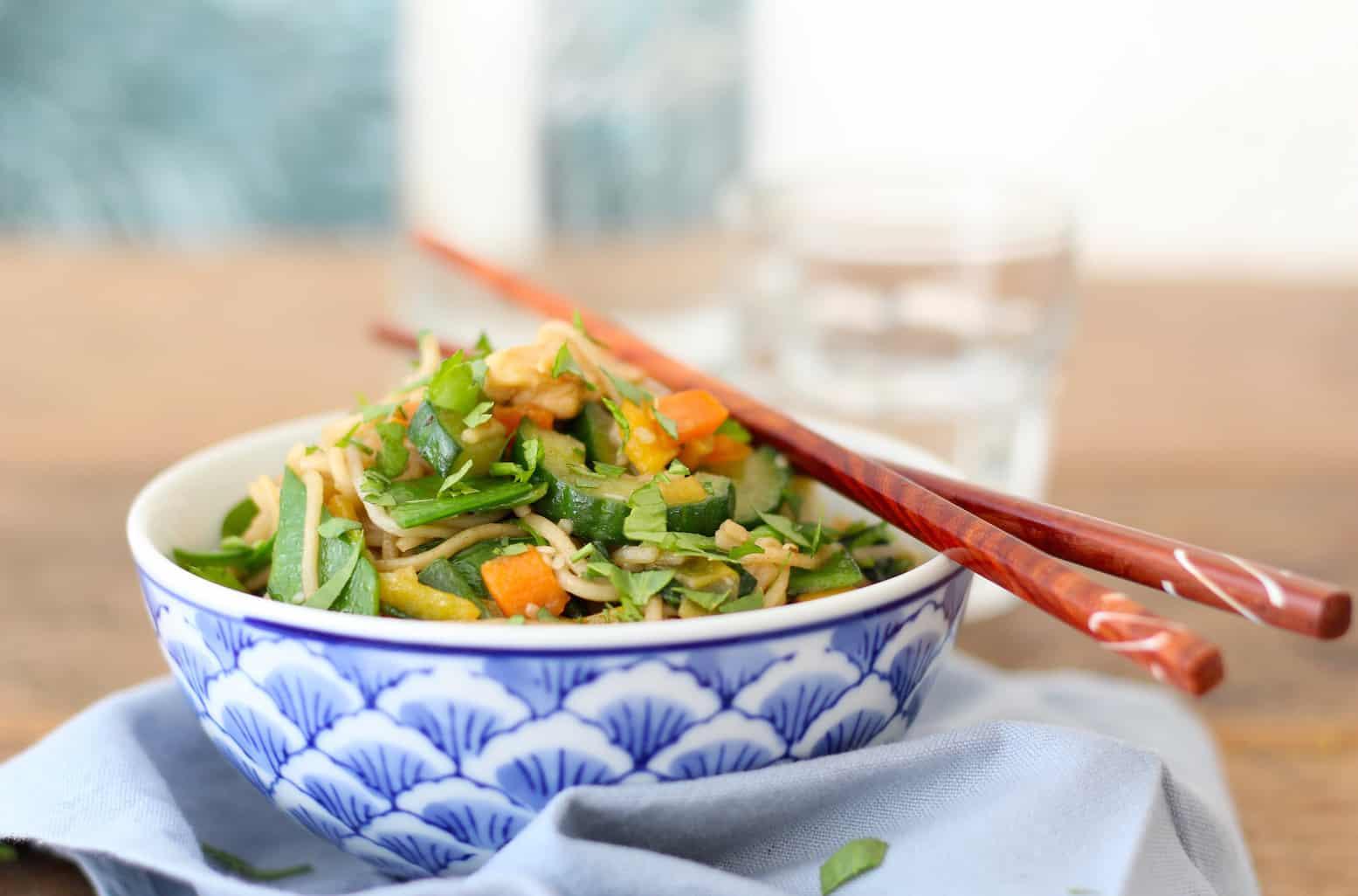 gewokte groenten met vis meet