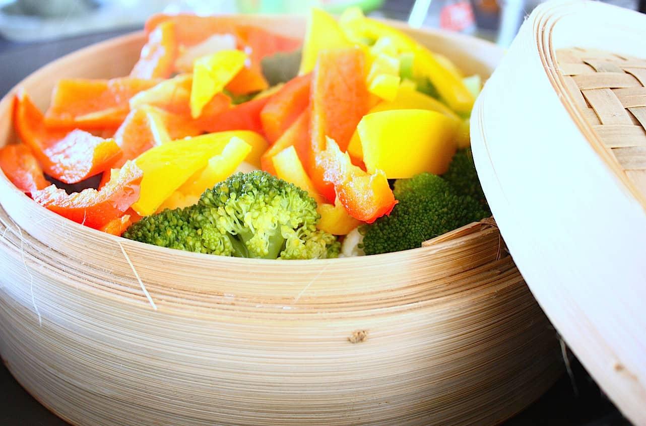jalfrezi-wokschotel-met-tofu-en-gestoomde-groenten-1