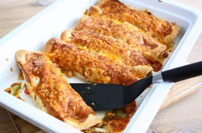 kip-enchiladas-bonen-erbij-1-680x450