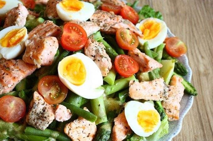 niet-zo-salade-nicoise-met-zalm-1-680x450