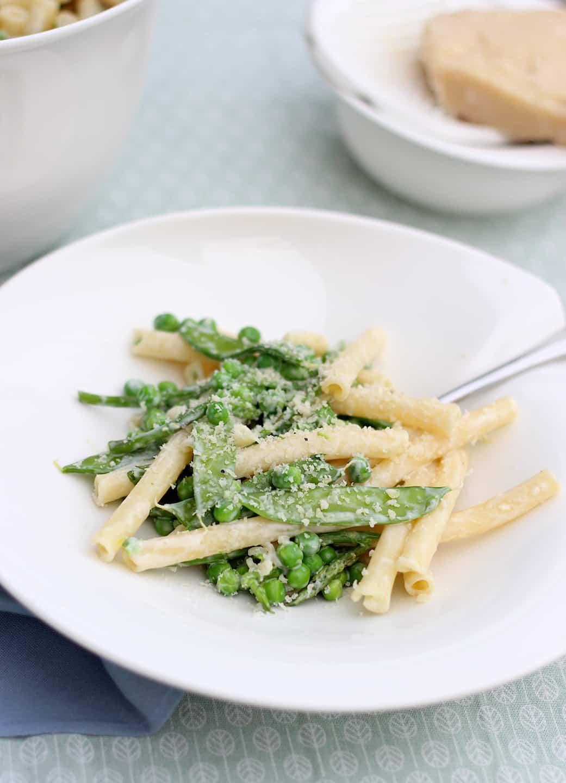 pasta-met-peultjes-doperweten-en-groene-asperges-1