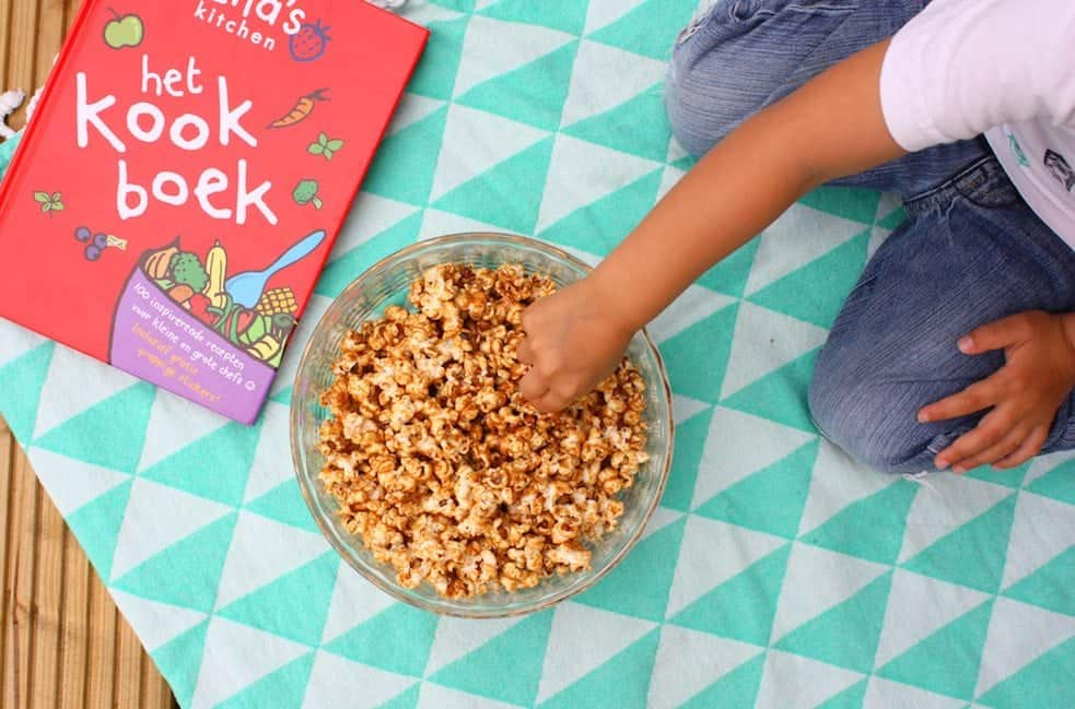 pindakaas-popcorn-ella's-kitchen-kookboek-uitgelicht