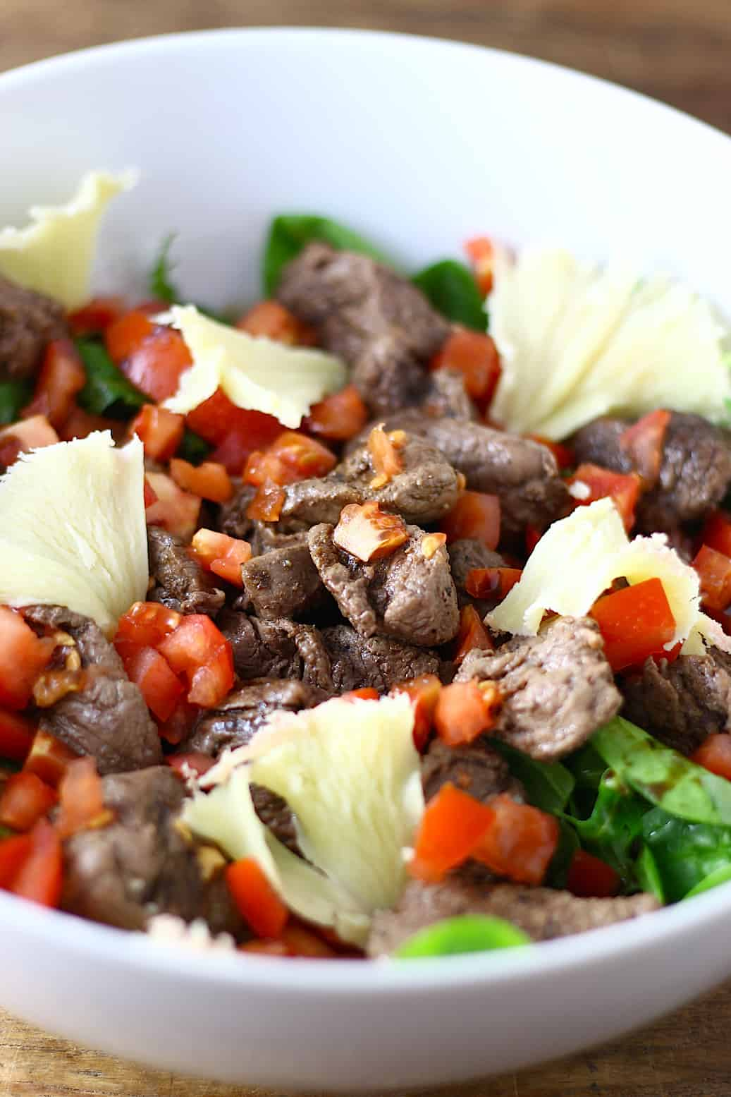 salade-met-biefstukreepjes-en-tete-de-moine-2